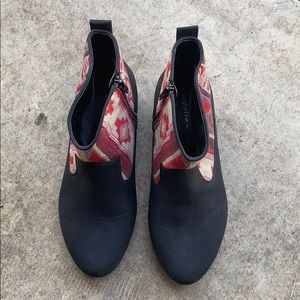 Women's embroidered low top boots